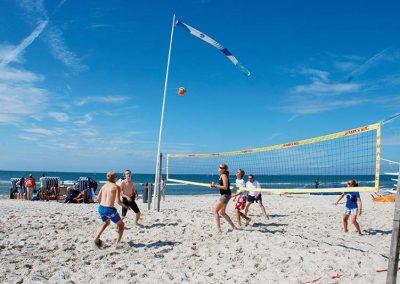 Volleyball spielen am Strand auf Amrum